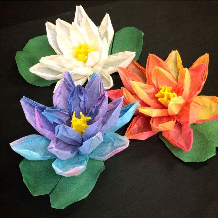 和紙で作る蓮の花